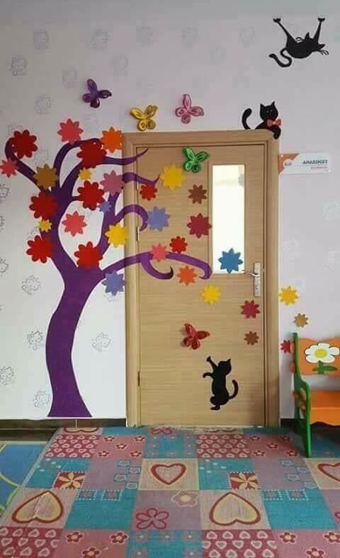 Animals And Colorful Tree Back To School Door Decor