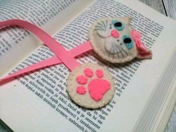 BOOKMARKS THAT EMRACES A NEW BEGINNING ROSY KITTY IS CUTE