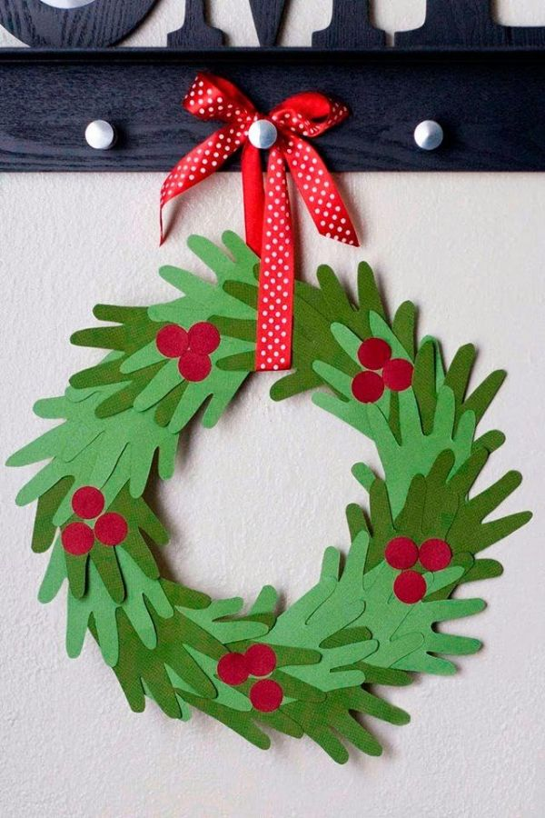 DIY Christmas Crafts for Kids Wreath of hand measurements
