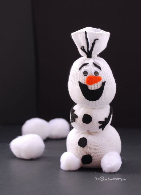 Here comes Olaf from Frozen - Christmas ornament crafts