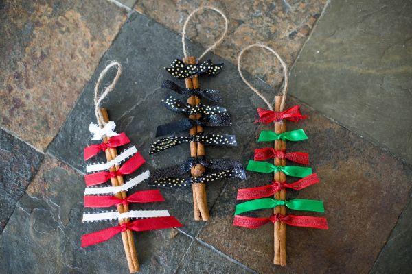 DIY Christmas Crafts for Kids Cinnamon sticks for Christmas