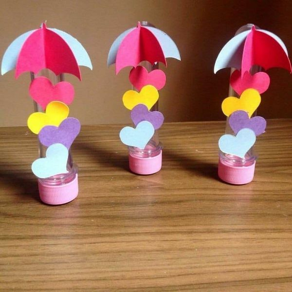 Valentine's day Craft Ideas Tube umbrellas with hearts
