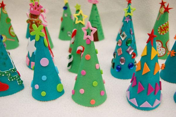 Merry Christmas!-Christmas Tree Crafts for Kids Paper Cone Trees