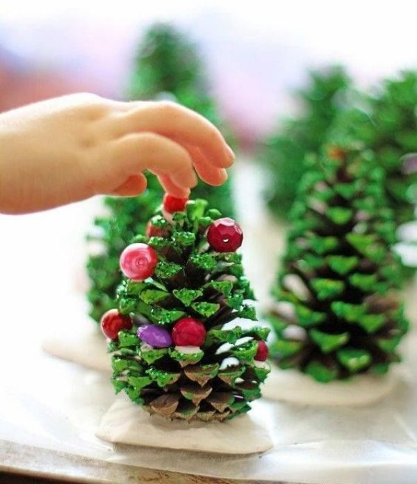 Merry Christmas!-Christmas Tree Crafts for Kids Pine Cone Christmas Tree
