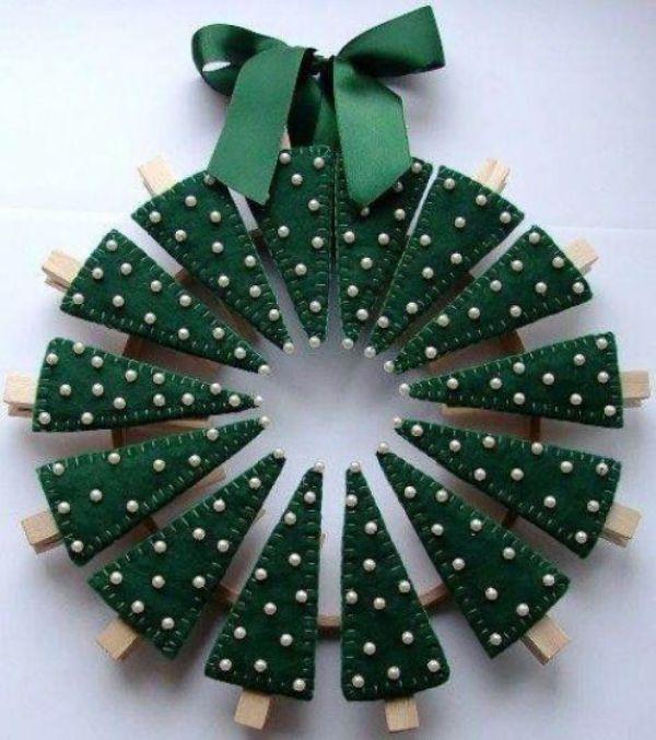 Welcome The Yuletide Spirit- DIY Christmas Wreath Ideas Christmas Tree Wreath