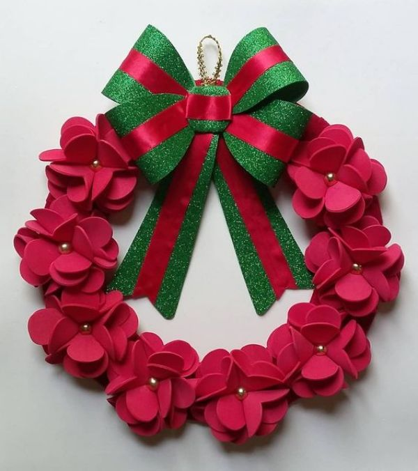 Welcome The Yuletide Spirit- DIY Christmas Wreath Ideas Rose Christmas Wreath