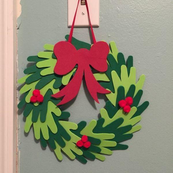 Welcome The Yuletide Spirit- DIY Christmas Wreath Ideas Felt Christmas Wreath