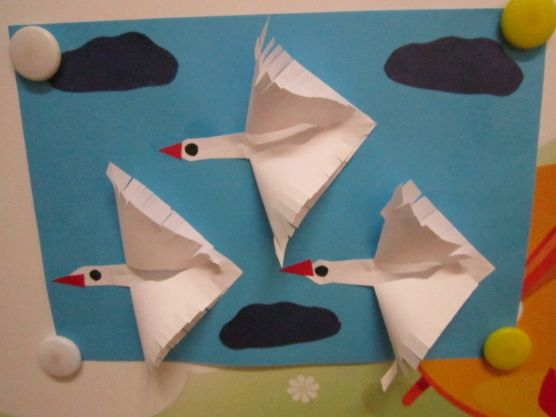 Swan Craft to Decorate a Kid's Room