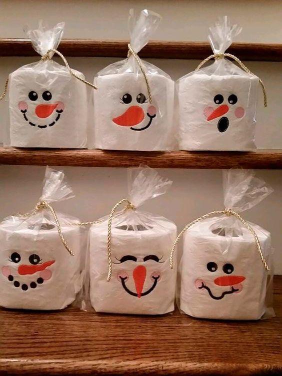 Snowmen Tissue Rolls