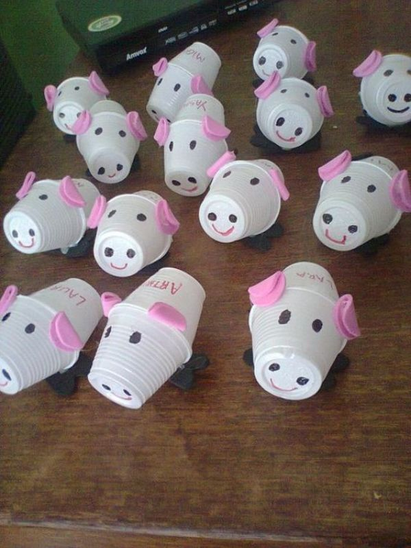 Plastic Cup Piglets