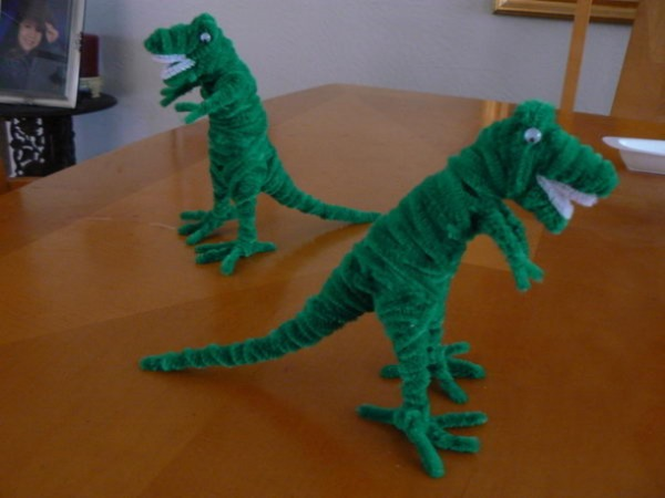 Dinosours From Some Pipe Cleaners